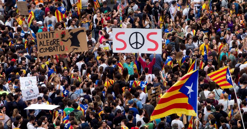 Catalogna, la sfida degli autonomisti: lunedì indipendenza e Repubblica